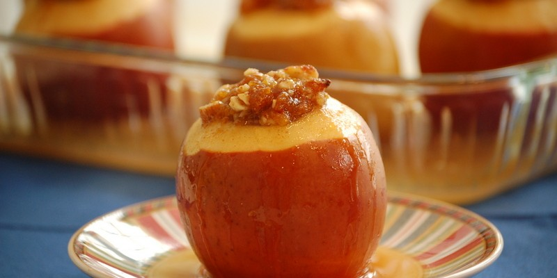 Baked Apples Stuffed with Apricots and Almonds
